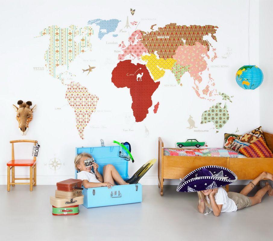 dan untuk anak anak usia prasekolah anda dapat menempel di kamar bayi dengan pewarnaan wallpaper di ruangan seperti itu akan menarik untuk menghabiskan
