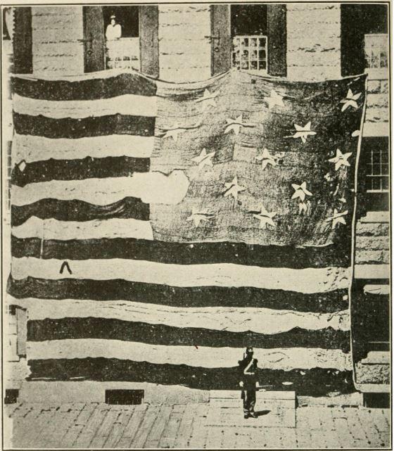 bendera star spangled banner yang dilihat oleh francis scott keys dan lain lain pada 14 september 1814 foto oleh george henry preble 1873